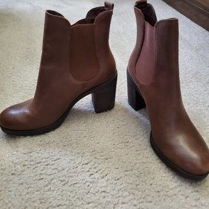Crown Vintage After Hours Chelsea Boots